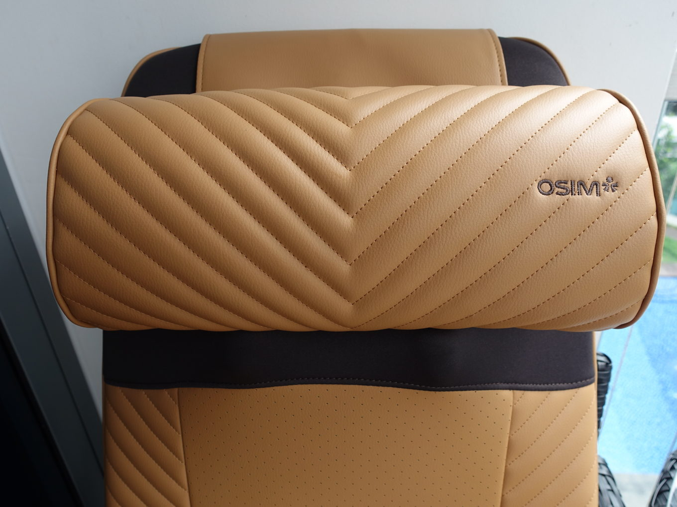 lifestyle review osim ujolly back massager for a rejuvenating massage